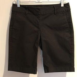 Ann Taylor Boardwalk Short Black Size 2